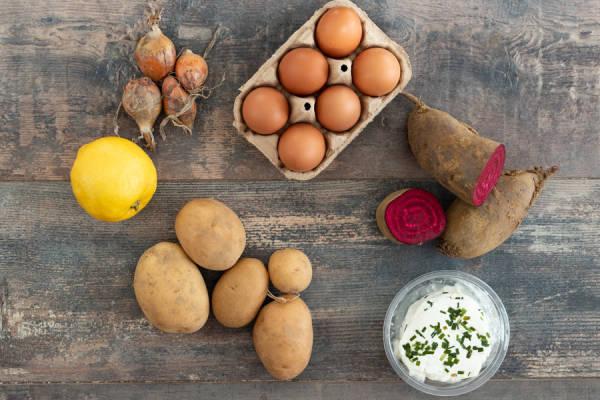 meal kit photo Nid de betterave, fromage frais et œufs mollets 0 - La Ruche qui dit Oui ! à la maison
