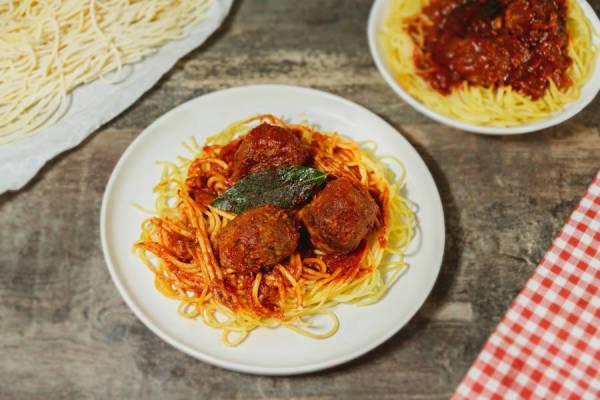 meal kit photo Kit spaghetti frais et ses boulettes tomatées 0 - La Ruche qui dit Oui ! à la maison