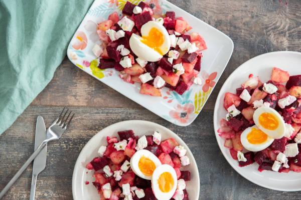 meal kit photo Nid de betterave, fromage frais et œufs mollets 1 - La Ruche qui dit Oui ! à la maison