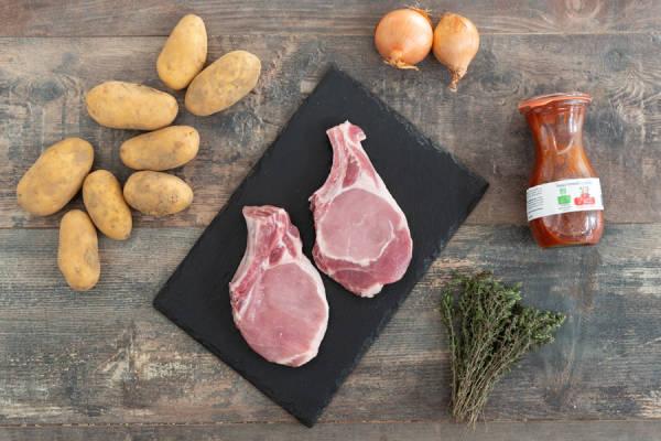 meal kit photo Côtes de porc sauce tomate et patates rôties 0 - La Ruche qui dit Oui ! à la maison