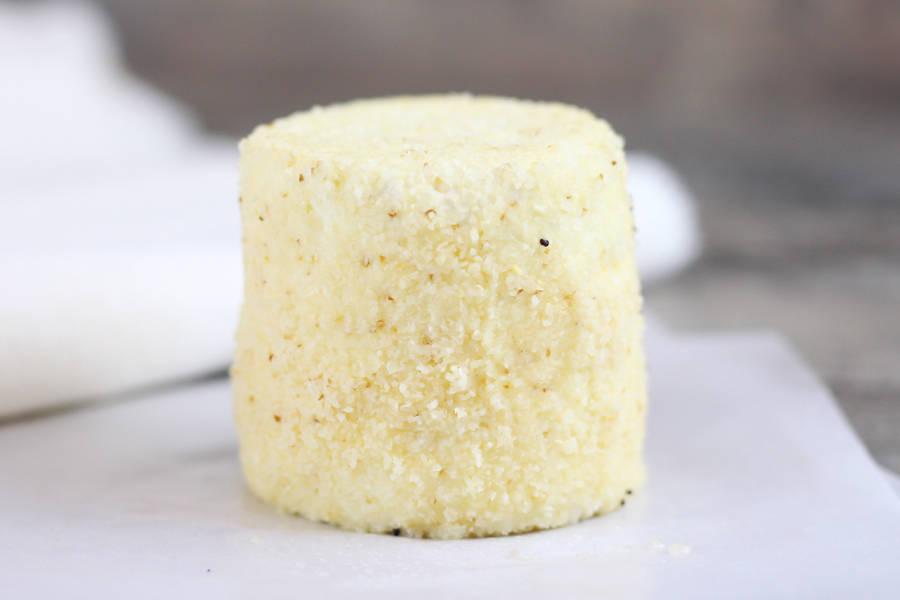 Grand crottin de chèvre à l'aïl - L'enclos des chevrettes - La Ruche qui dit Oui ! à la maison