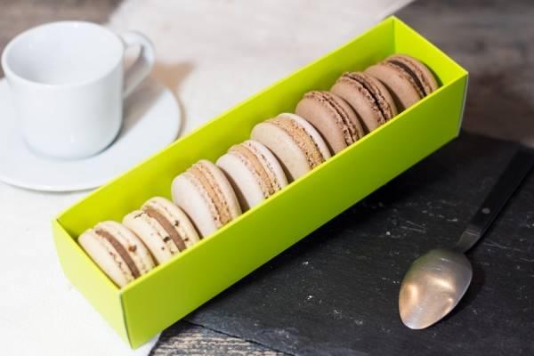 Macarons BIO, boîte de 8 (chocolat, café, caramel beurre salé) - Délicieusement Bio