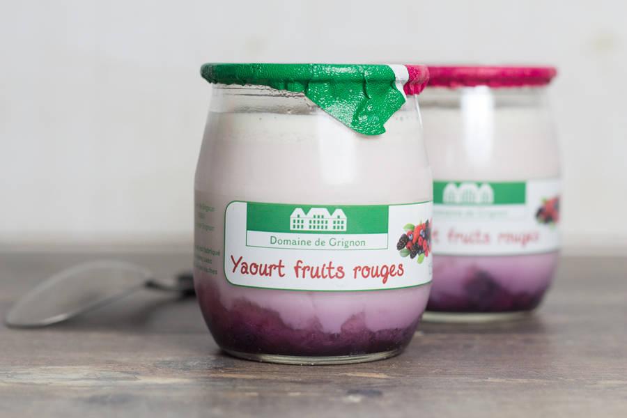 Yaourt fruits rouges - Ferme de Grignon - La Ruche qui dit Oui ! à la maison