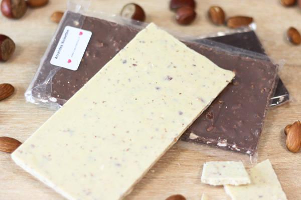 Chocolat Blanc amandes noisettes BIO - Coeur de Choc - Le Comptoir Local