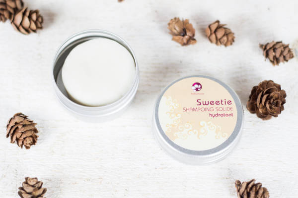 Sweetie - Shampoing démêlant solide format voyage - Pachamamaï - Le Comptoir Local