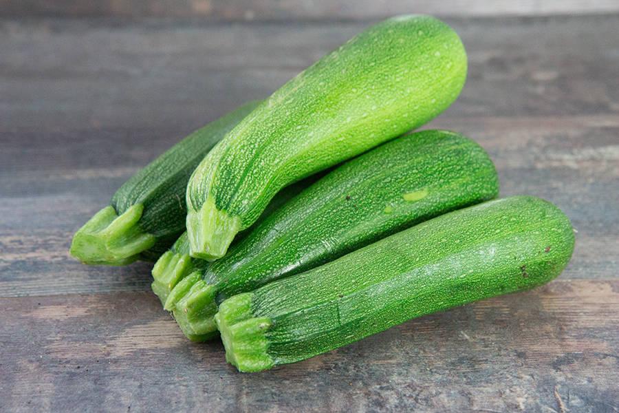 Courgette verte longue - EARL du Châtaignier - La Ruche qui dit Oui ! à la maison