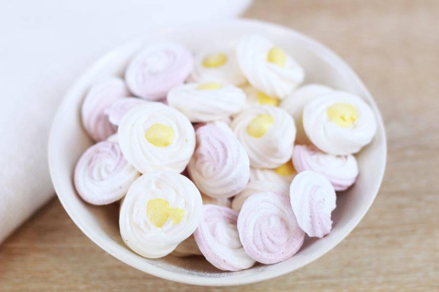 Duo de minis meringottes fleur d'oranger et rose - Mon P'tils Traiteur - La Ruche qui dit Oui ! à la maison