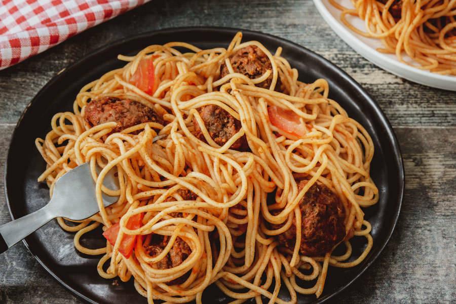 Kit spaghetti frais et ses boulettes tomatées - La Ruche Mama - La Ruche qui dit Oui ! à la maison