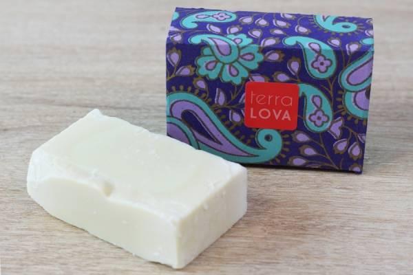 Savon Tout Olive avec boite - Terra Lova - Le Comptoir Local