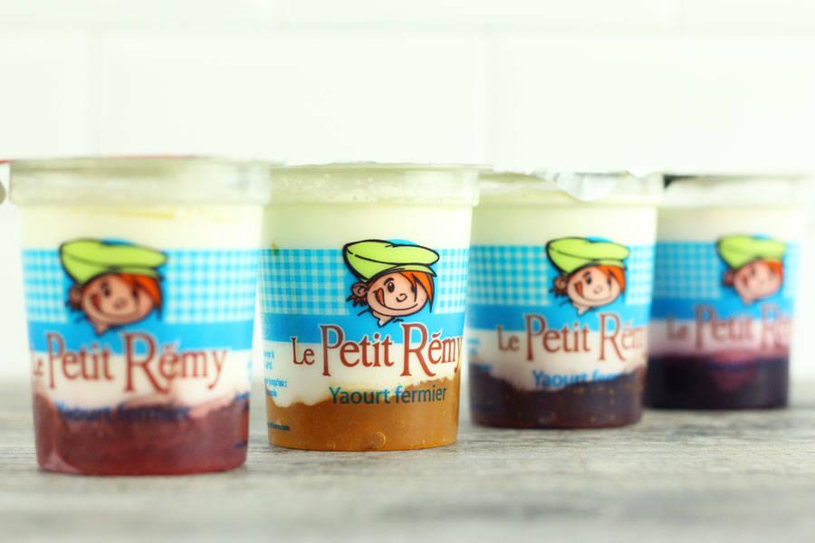 Assortiment de yaourts bicouches aux fruits - Ferme du petit Rémy - La Ruche qui dit Oui ! à la maison
