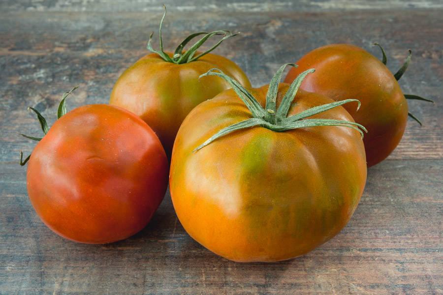 Tomate ancienne noire - Les Saveurs de Chailly - La Ruche qui dit Oui ! à la maison