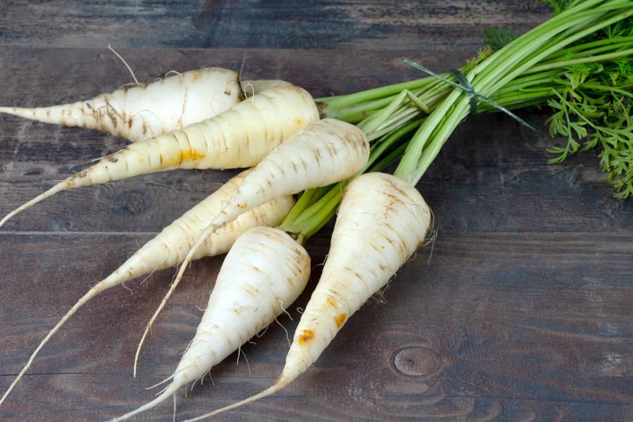 Botte de carotte blanche des Vosges BIO - Les Légumes de Planche - La Ruche qui dit Oui ! à la maison
