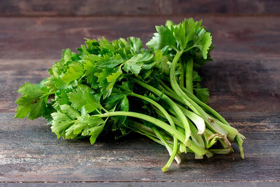 Céleri branche BIO - Les Légumes de Laura - La Ruche qui dit Oui ! à la maison
