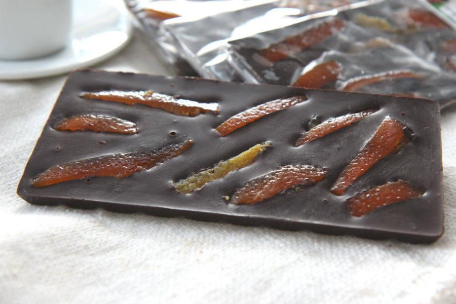 Tablette écorce d'orange chocolat noir - Le Furet Tanrade - La Ruche qui dit Oui ! à la maison