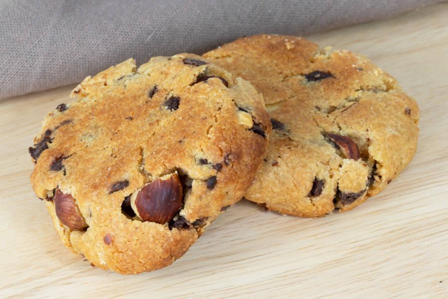 Cookie Chocolat Noir, Noisettes, Pralin (x2) - Bloom - La Ruche qui dit Oui ! à la maison